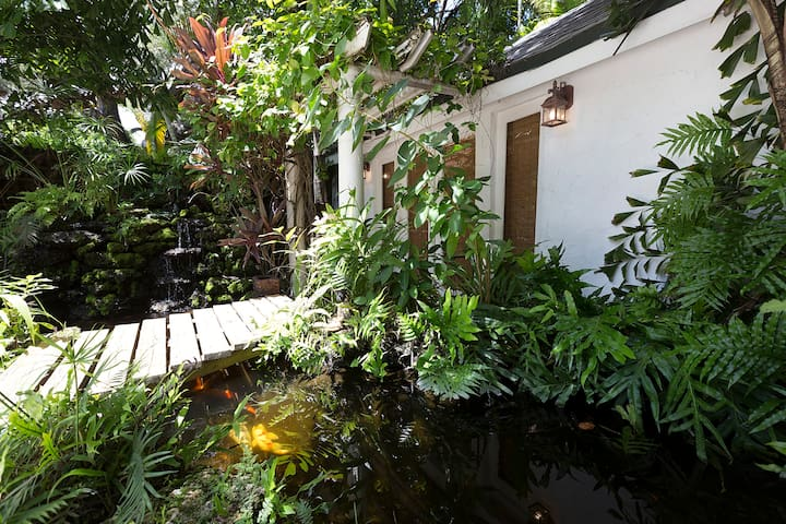 Relaxing Cottage in Coconut Grove