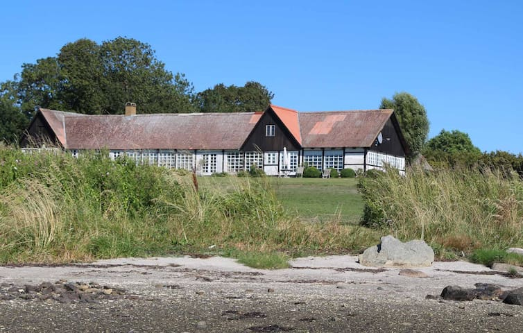 80 m2 luxury | waterfront | scenic | peaceful - Jyllinge - House