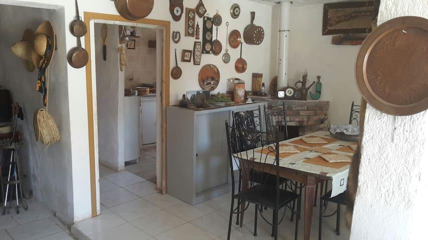 Une maison de campagne bien équipé - sefrou - บ้าน
