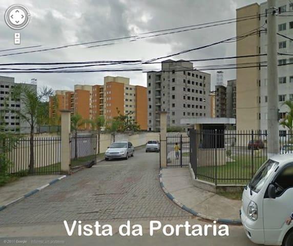 Quarto em Jandira/Grande São Paulo - Jandira - Leilighet