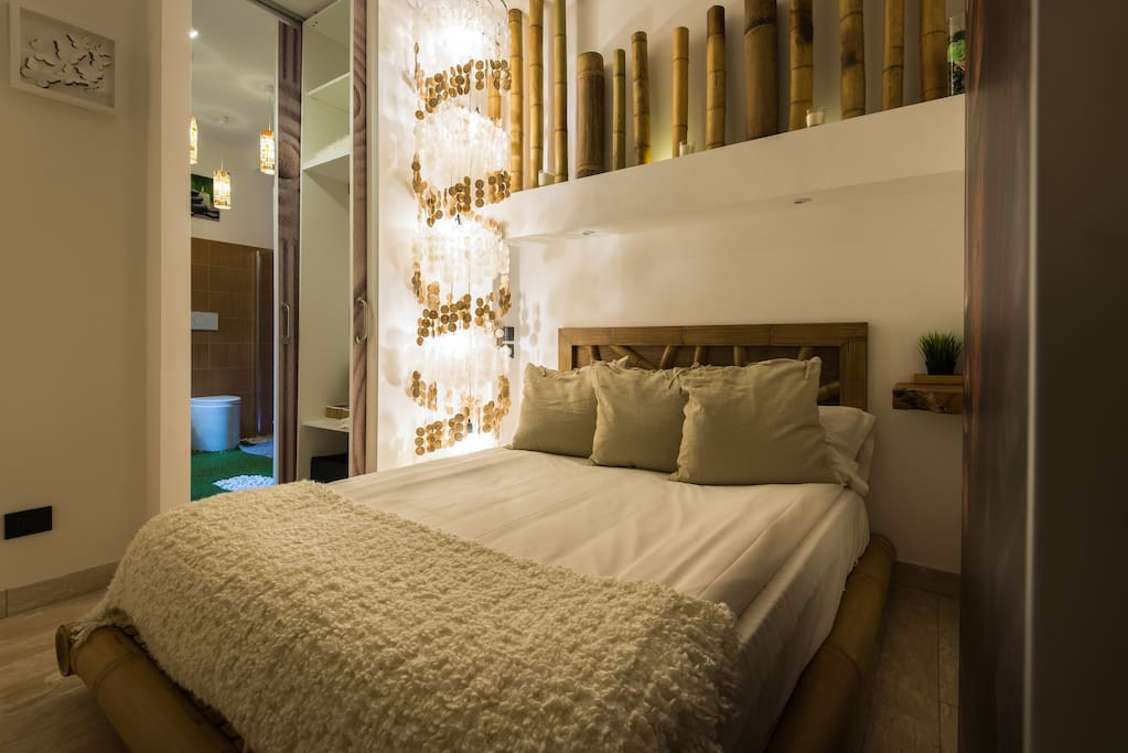 Bamboo: first bedroom with private bathroom