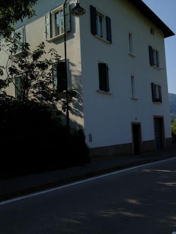 Ca'Bianca 2 rooms suite + bathroom - Trento - Bed & Breakfast
