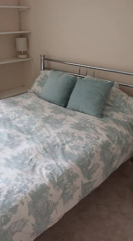 1 Double Room - Near A3 and A27 (Goodwood 35 mins) - Denmead - Casa