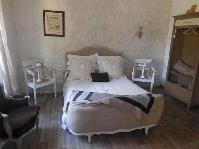 chambre Toile et Lin - EVRAN - Bed & Breakfast