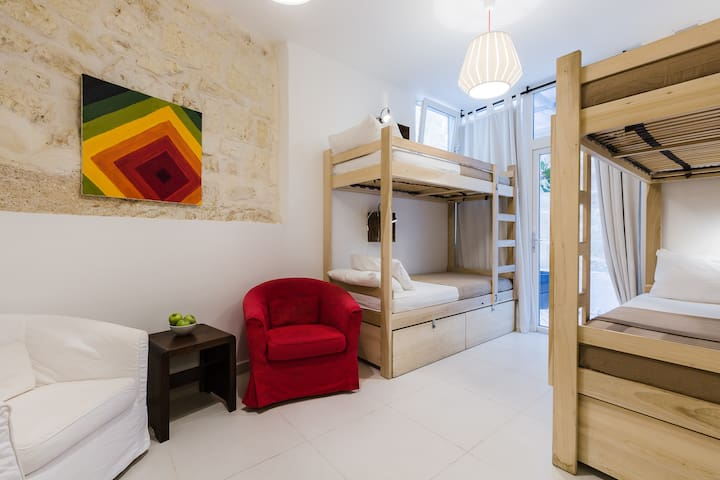 6 Bed Dorm Shared_Two Pillows Boutique Hostel