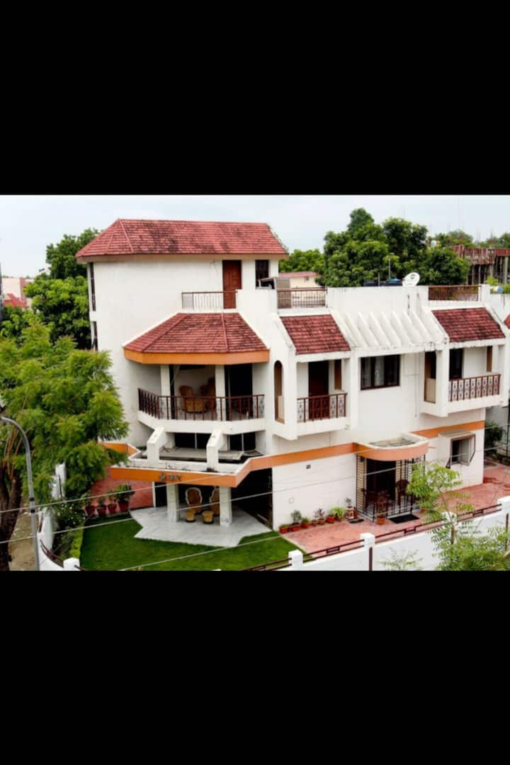"""""""Omkaar"""" Luxury Villa"""