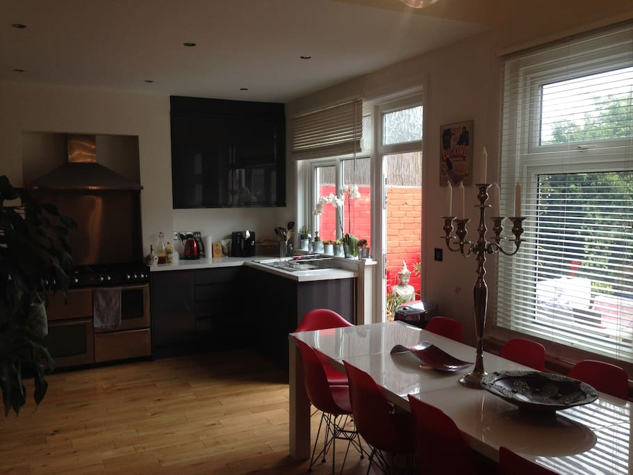 Large open plan kitchen/dining area