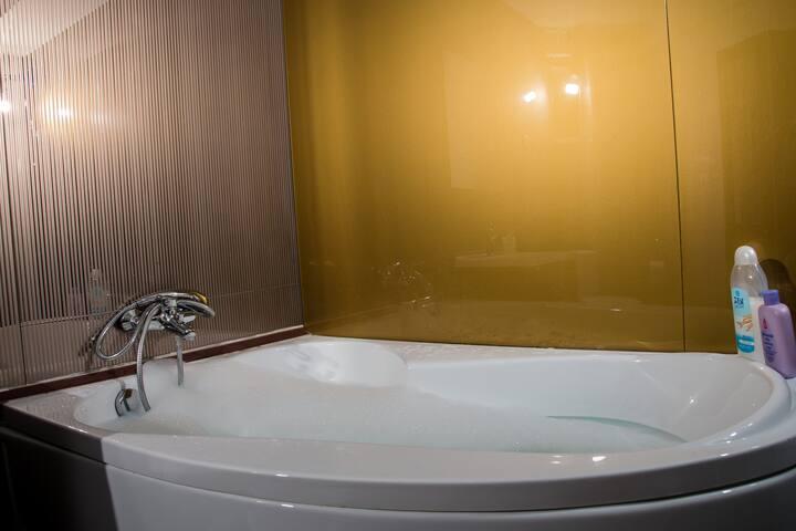 JOLIE Large Two-Bedroom Apartment - Galați
