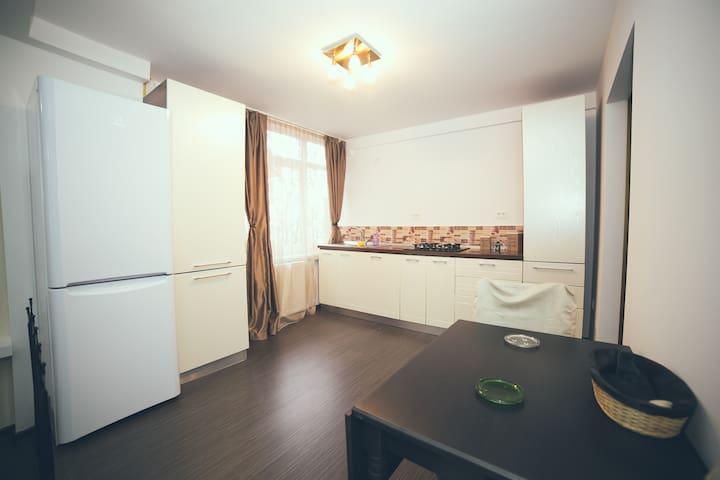 JOLIE Large Two-Bedroom Apartment - Galați - Hotel boutique