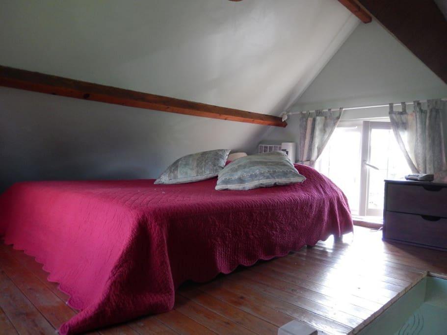 Chambre à coucher au quatrième étage