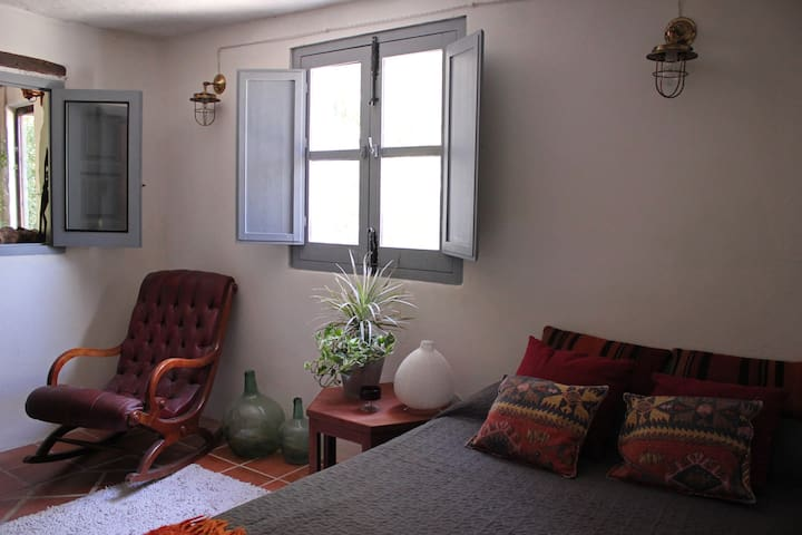 1Double room in boho country house in Los Cahorros - Monachil - Rumah