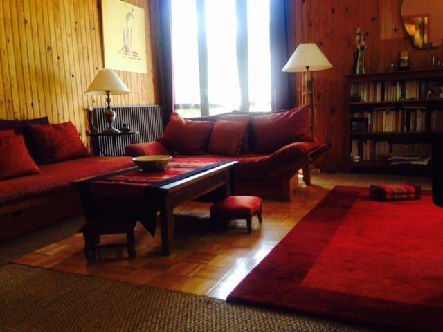 grande maison   tout confort - Figeac - Huis