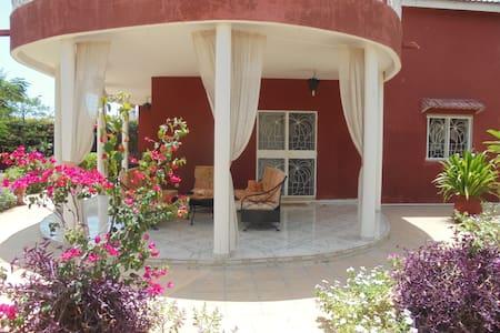 villa 45 à la cité lagune - Saly