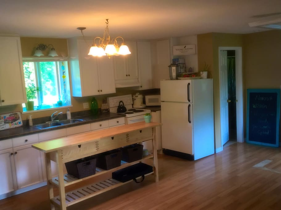 Fully equiped kitchen and amenities