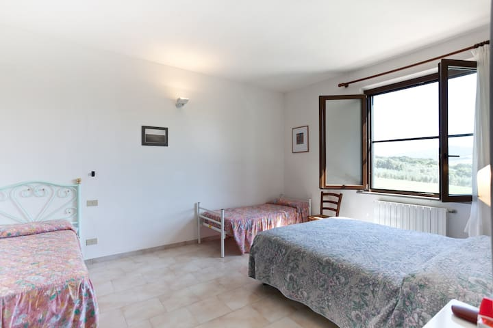 Tuscan Farmhouse Wine & Pool - Bibbona - Bed & Breakfast