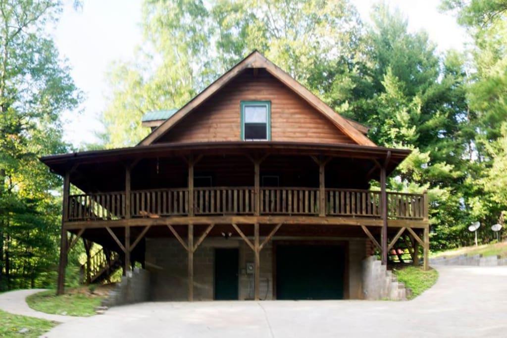 Main Cabin at Sugar Hill Cabins