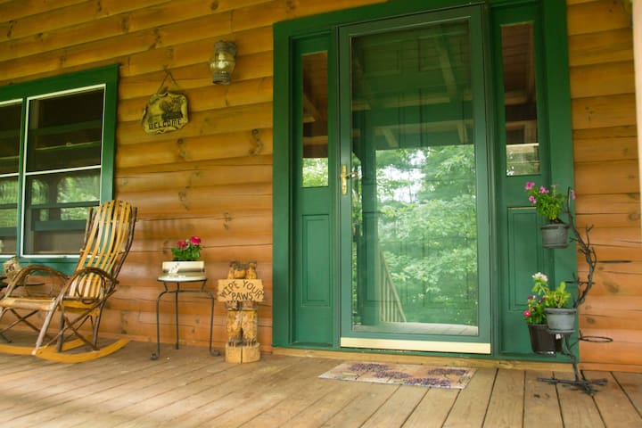 Private Log Home Hideaway - Marion - Hus