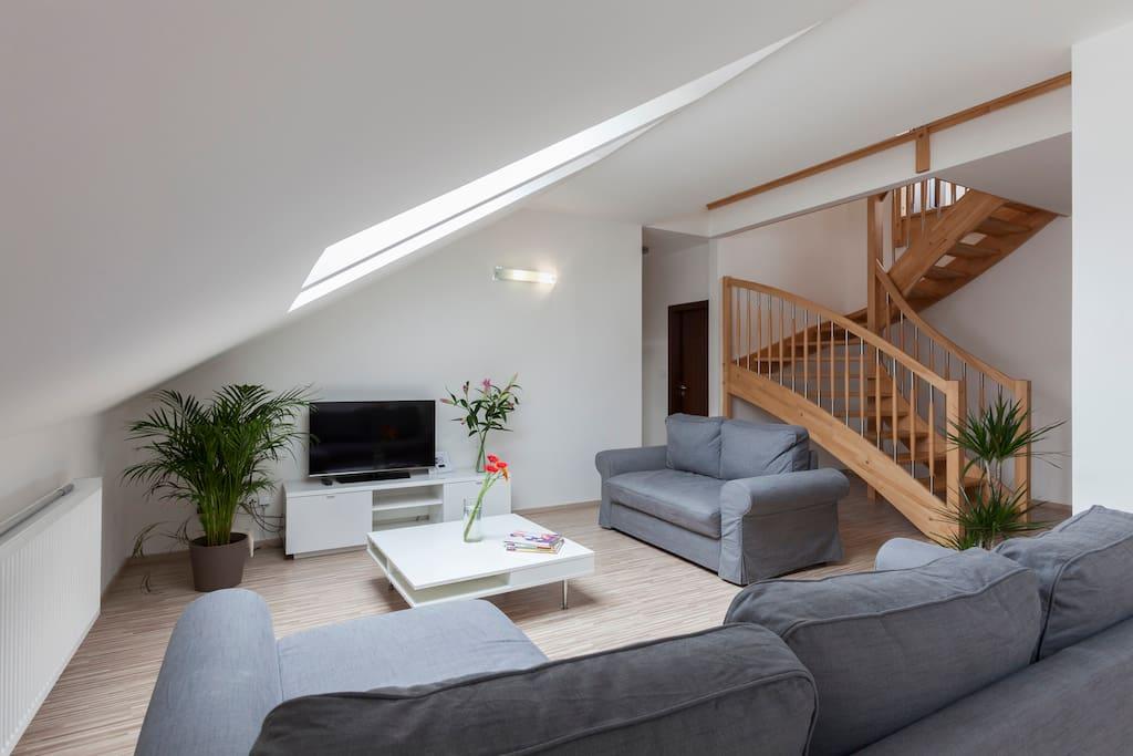maisonette 10 lucembursk wohnungen zur miete in prag. Black Bedroom Furniture Sets. Home Design Ideas