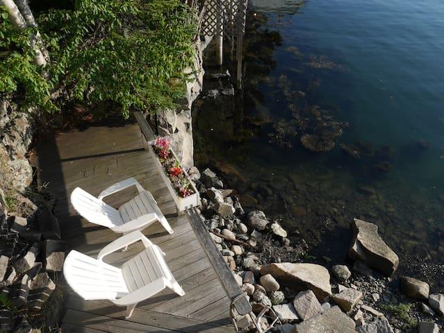Romantic Suite On The Water, 2 Decks & A Kitchen! - Southwest Harbor - Lägenhet
