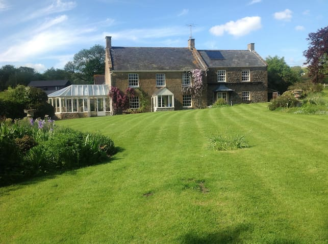 Dorset house with tennis court - Beaminster - Casa