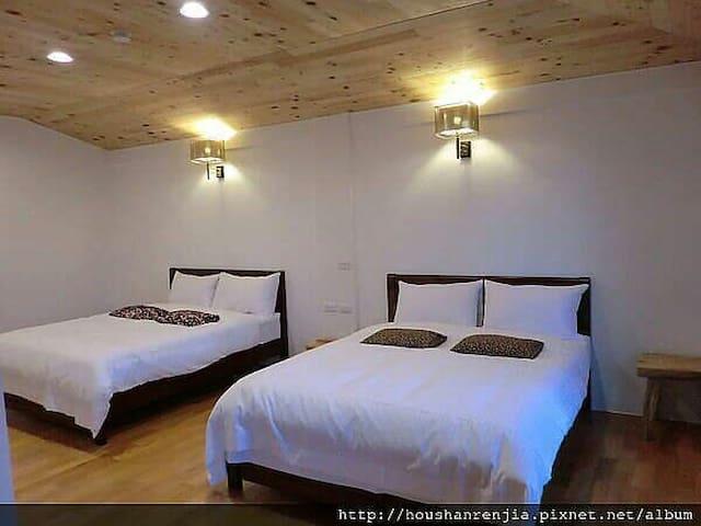 後山人家B&B 標準4人房。