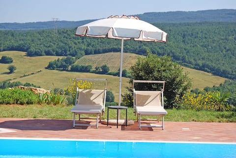 Romantický panoramatický dům s bazénem a terasou