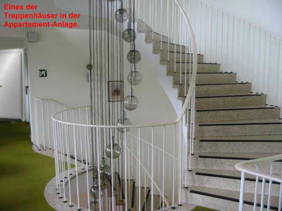 Eines der vielen Treppenhäuser des Apartmenthauses.