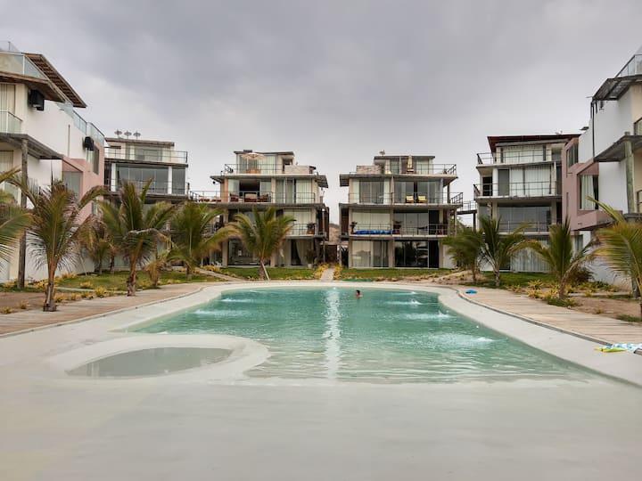 Vacaciones en Playa Huacura. Norte Perú.