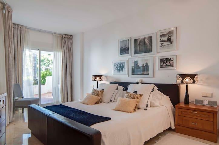 ☆ Luxurious 3 bdr in Puerto Banus ☆ - Marbella - Haus