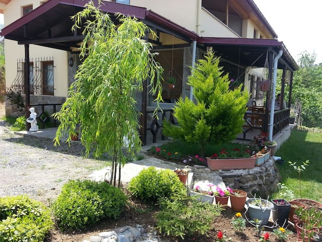 Muhteşem bir doğa  VİLLA GÜRBULAK - Ayvalı Köyü - Hus