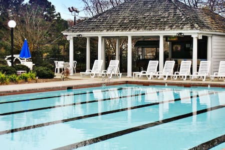 Escape to Historic Powhatan Resort