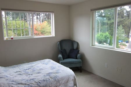 Sunny Private Room near Casino - Auburn - Casa