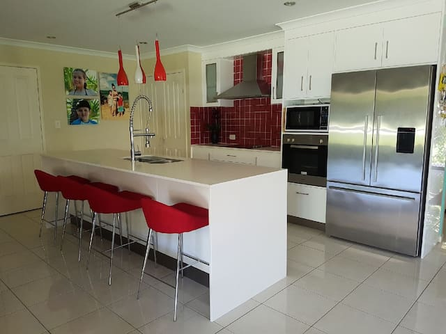 Yeppoon Beach House sleeps 8 - Mulambin - Maison de vacances