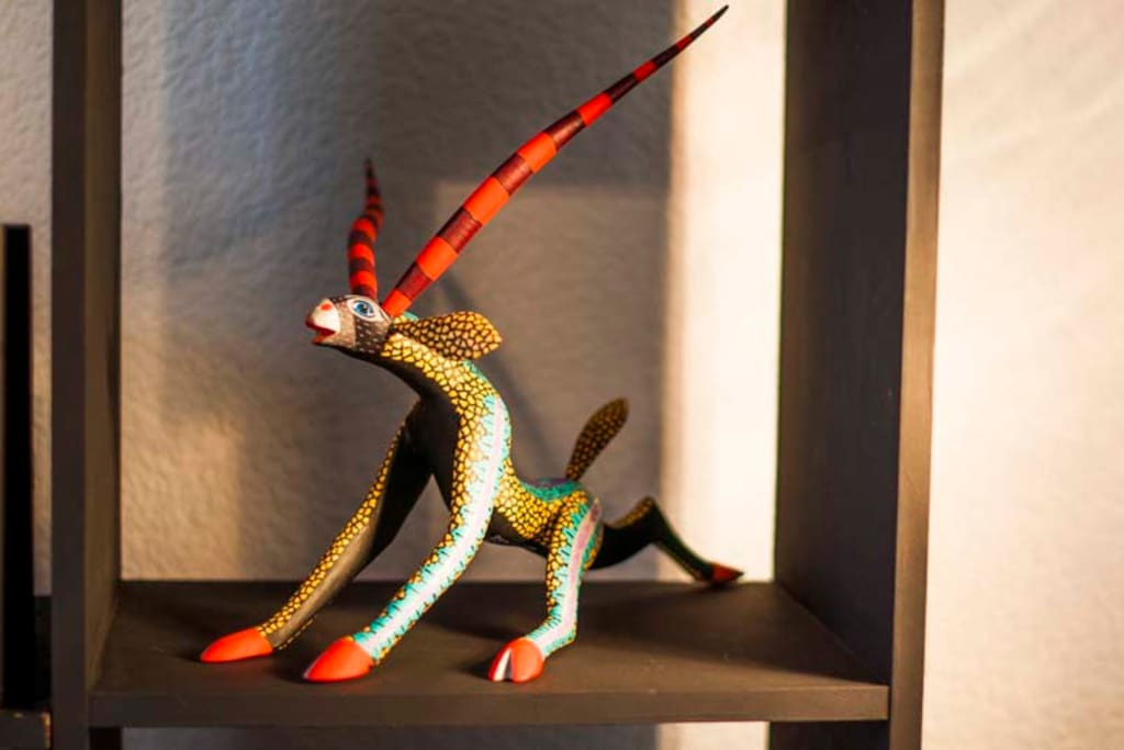 Mexican handcrafts among art deco architecture