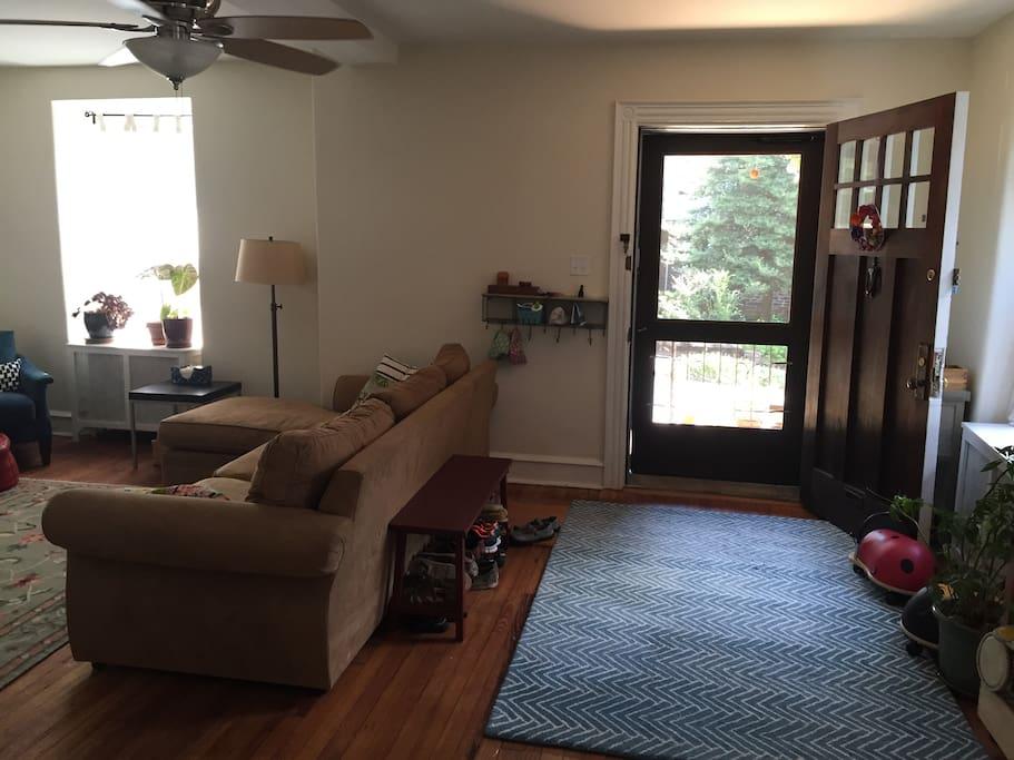 Entryway/living room