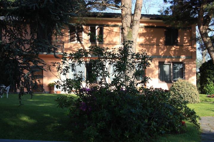 La Cà Nova Bed&Breakfast - Lurago D'erba - Willa