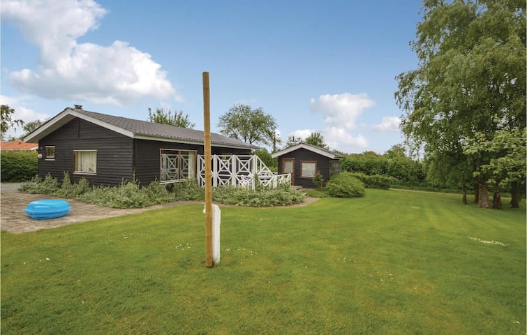 Holiday cottage with 2 bedrooms on 73m² in Hejls