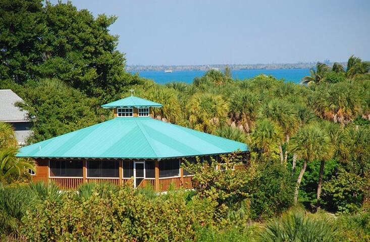 085- Gulf Breeze Cottage - Captiva - Dom
