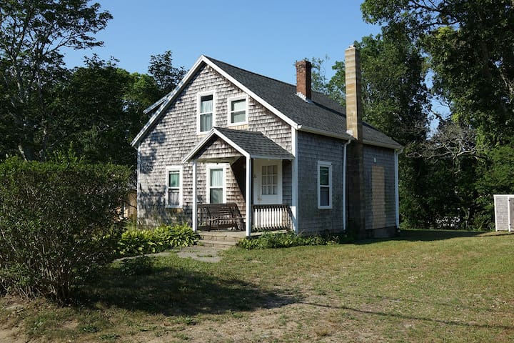 Charming Vineyard Cottage - Tisbury - House