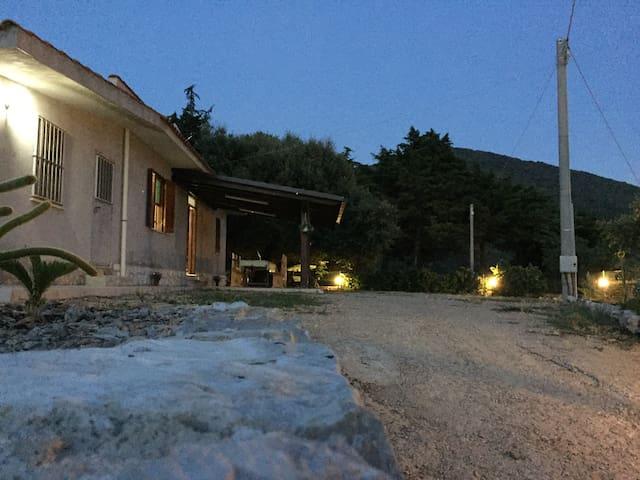 Villa Saker - Pietra Porci - Dom