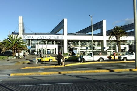 Cerca del Terminal de Buses Quito - Quito
