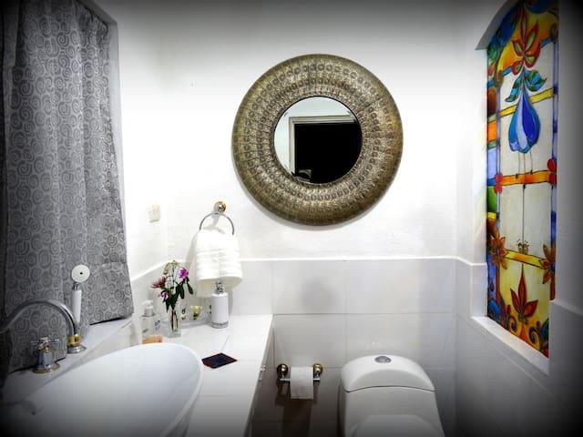 Hermosa Suite de 42 m2 - Urcuquí