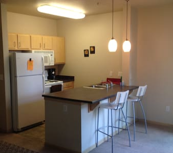 *LOWEST PRICE!! Entire Apt/Gaslamp.
