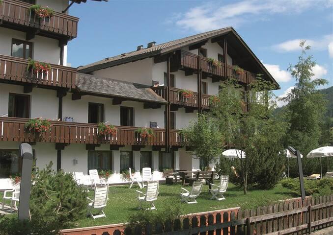 Mansarda in ResidenceHotel 4 stelle - La Villa, BZ - Appartement
