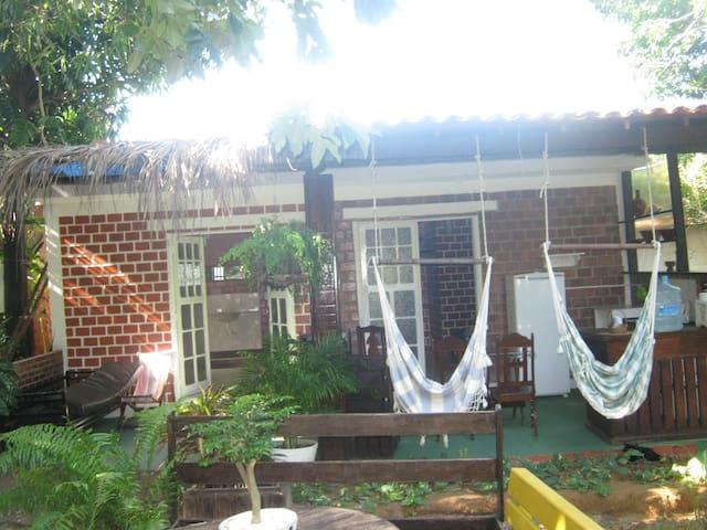 ampla suite com varanda no verde - Olinda - Chalé