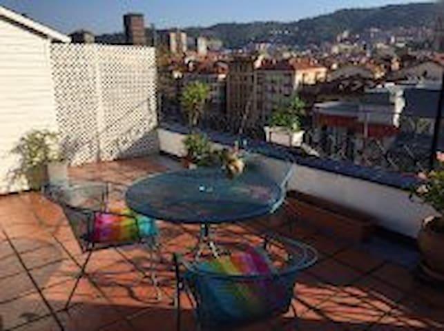 Acogedor apartamento con terraza (E-BI-162) - Bilbao - Lejlighed