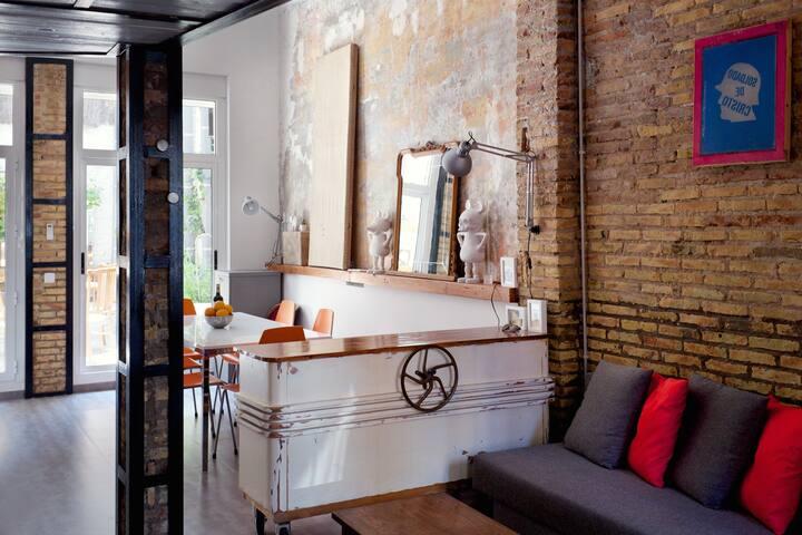Charming & arty recycled-style loft - Valencia - Loft