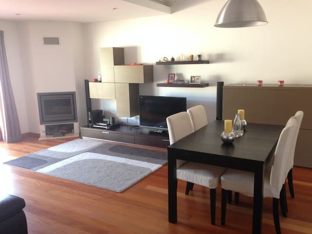 Beach/Cascais/near downtown Lisbon - Carcavelos - Apartemen
