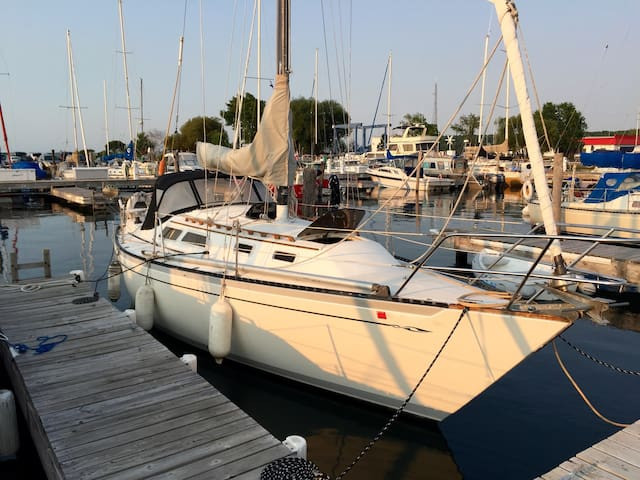 Cozy Sailboat in Downtown Marina - Bayfield - Barco