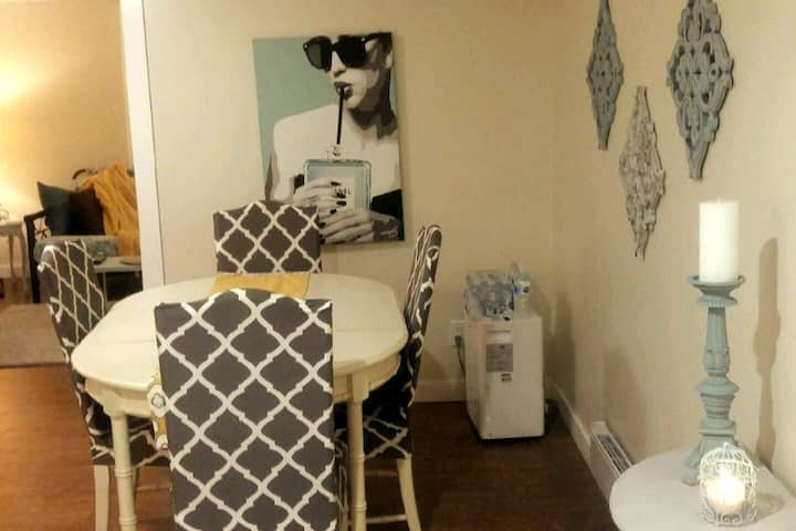Just The Ticket - 2 bedroom apt by the Bay